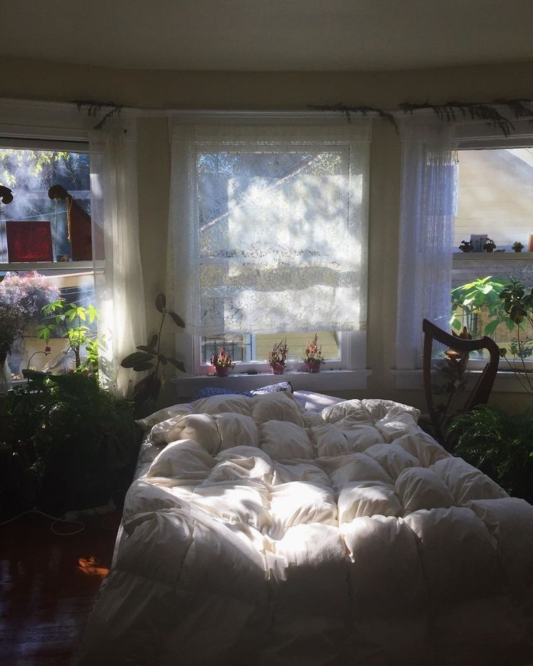 Pin By Elise Gort On Solitary Confinement In 2020 Aesthetic Bedroom Dream Rooms Aesthetic Rooms
