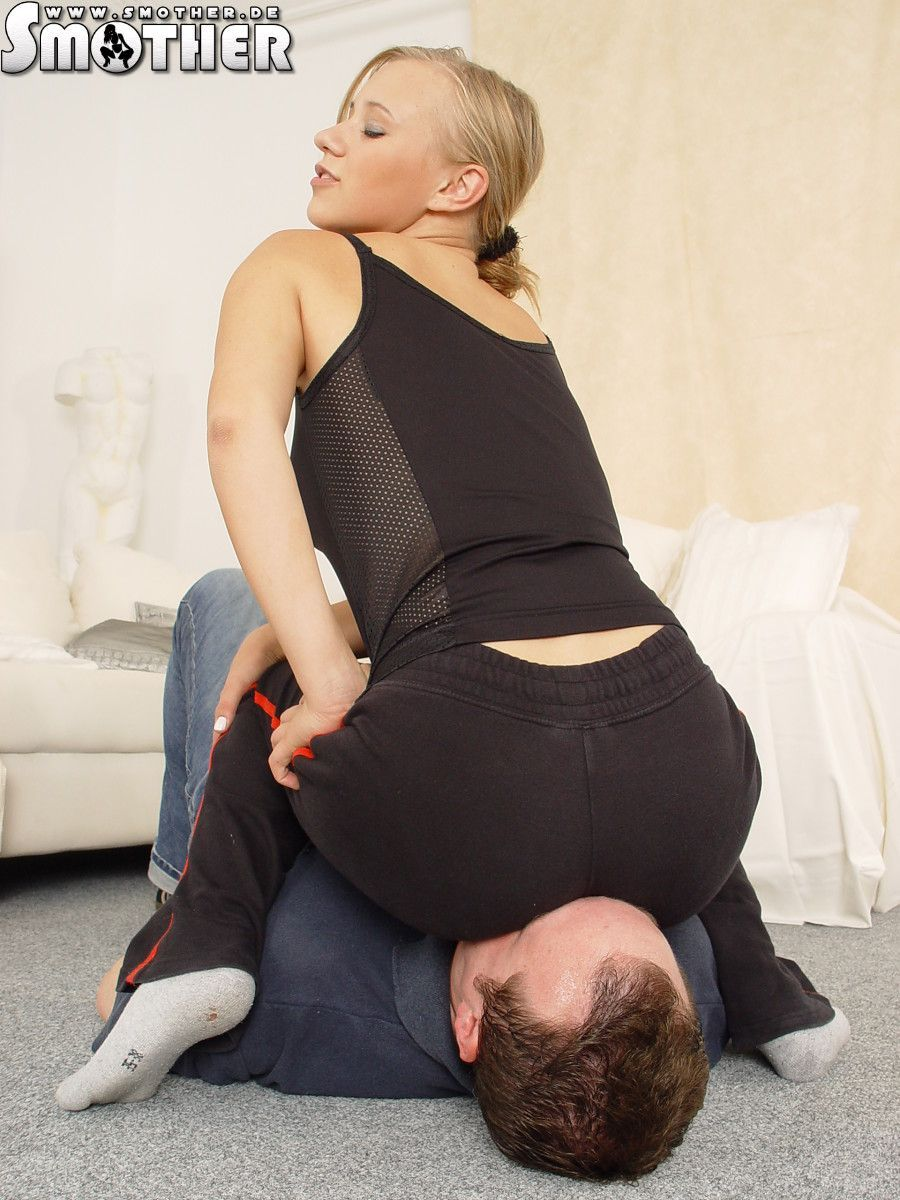 Pin on Facesit Mixed Wrestling