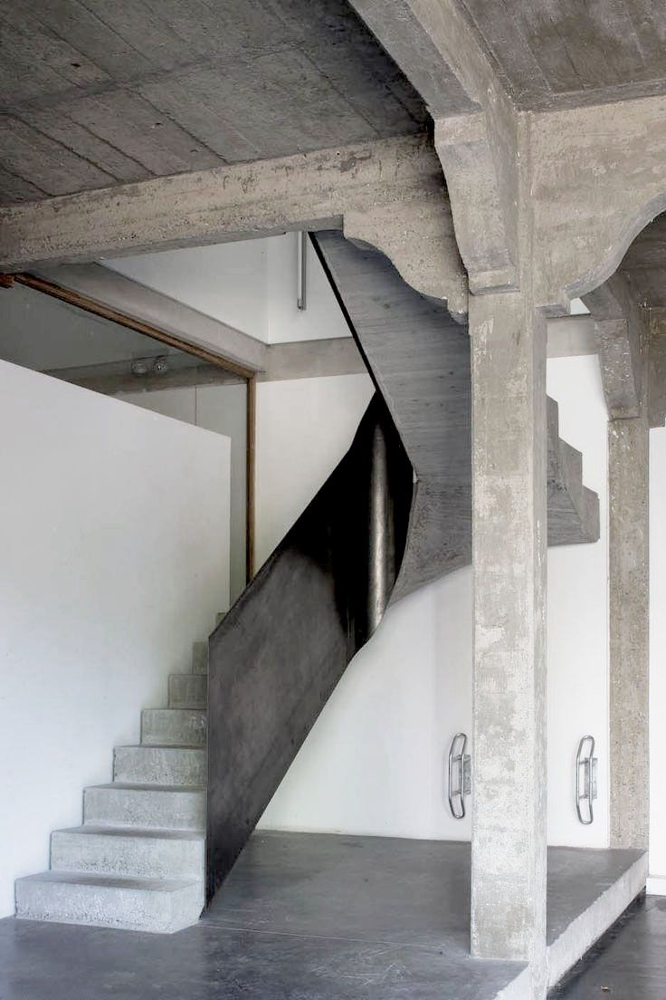 Concrete stairs garage du parc belgium by atelier d for Garage du parc