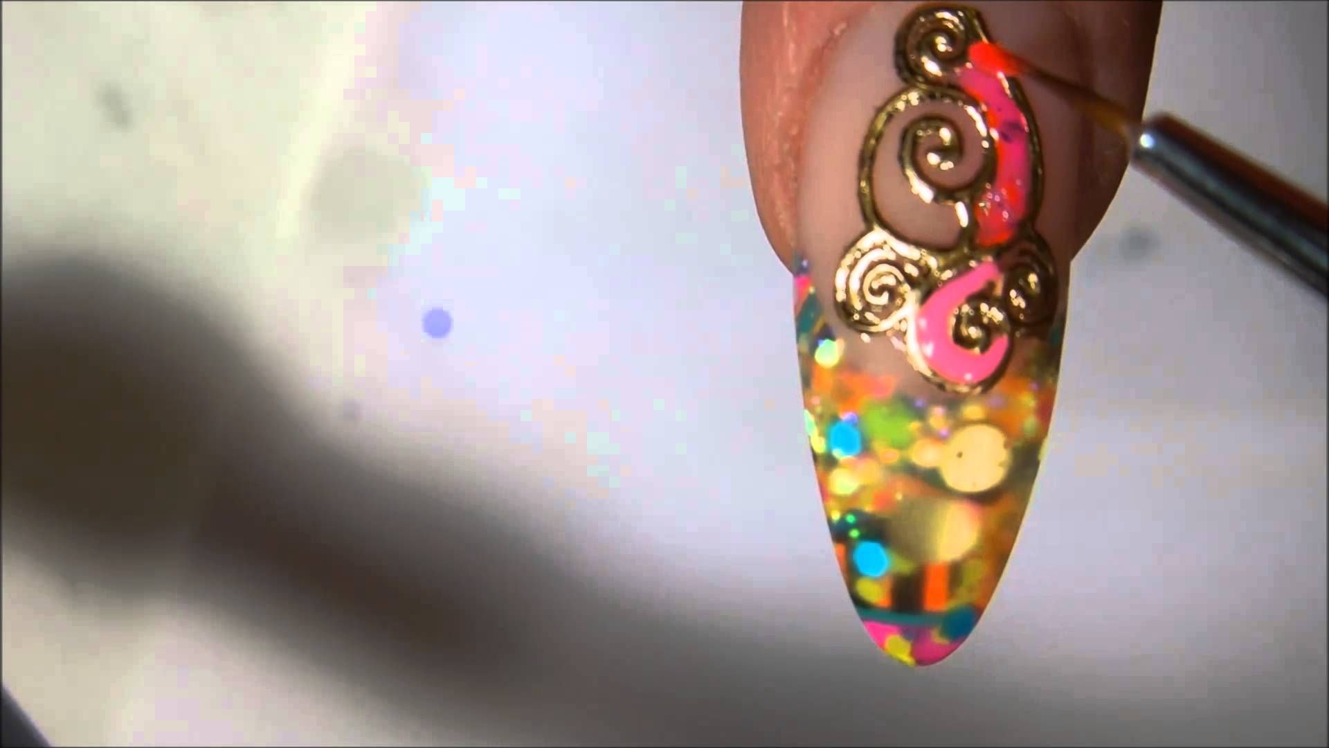 GOLD NAUL STICKERS FILLED WITH COLORED GEL !! ( From Physco Summery ...