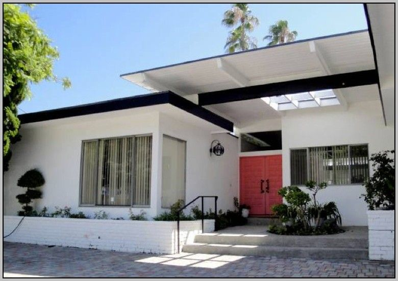 The New Exterior Paint Job On This Mid Century Modern Home Looks