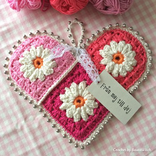 Crochet Valentine Heart, by BautaWitch.    Use Google translate for English.  Flower square tutorial here: http://colorncream.blogspot.nl/2013/09/flower-square-tutorial-iii.html