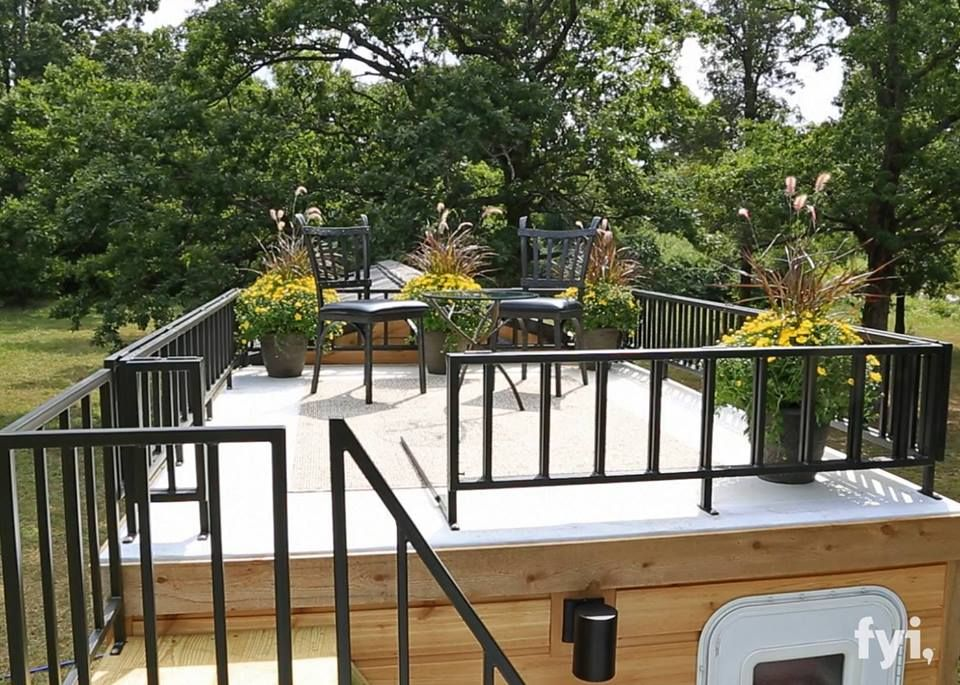 Tiny house 5th wheel roof top deck garage roof deck for Small house design with roof deck