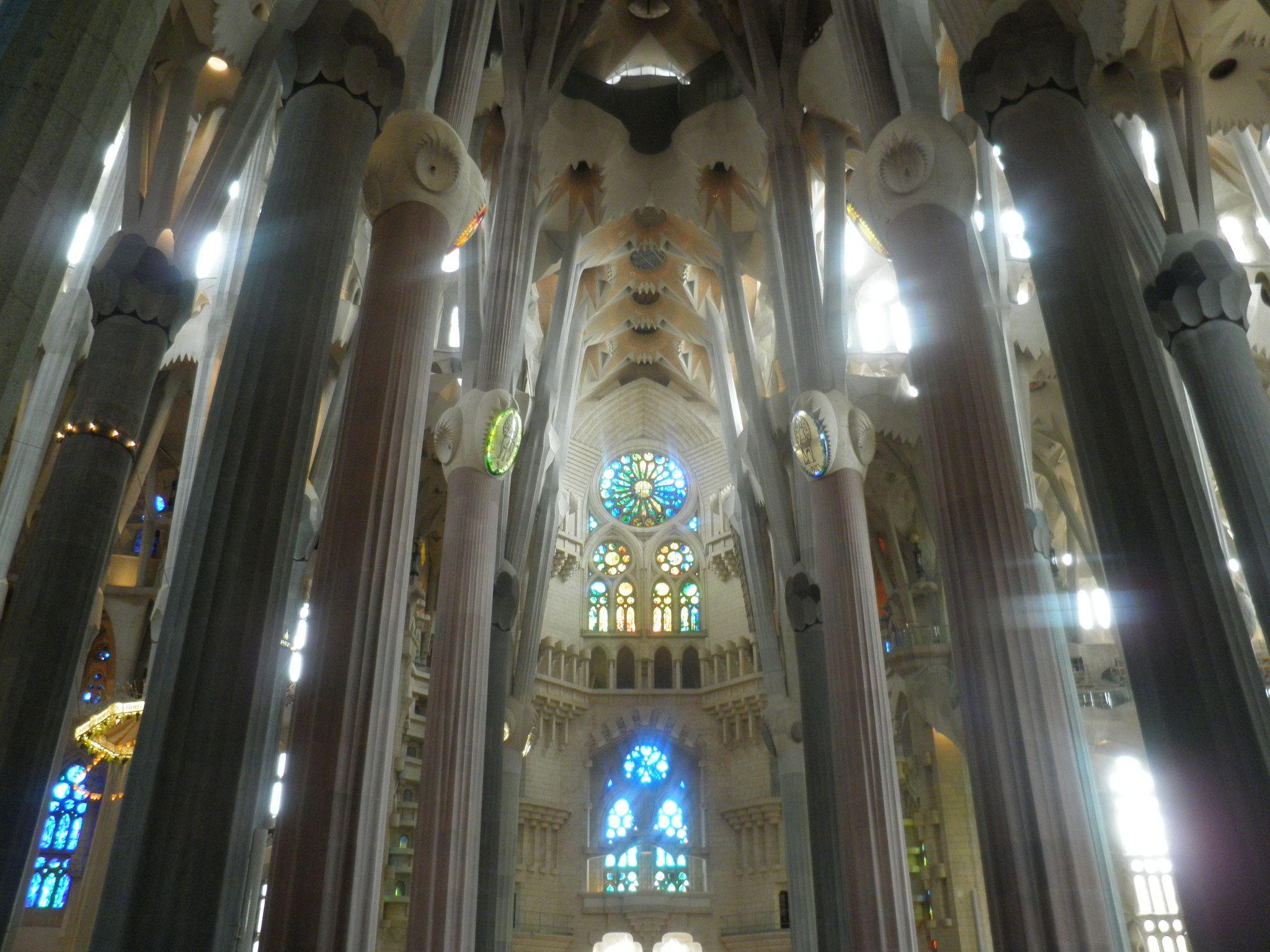 Inside la sagrada familia barcelona places i 39 ve been for La sagrada familia inside