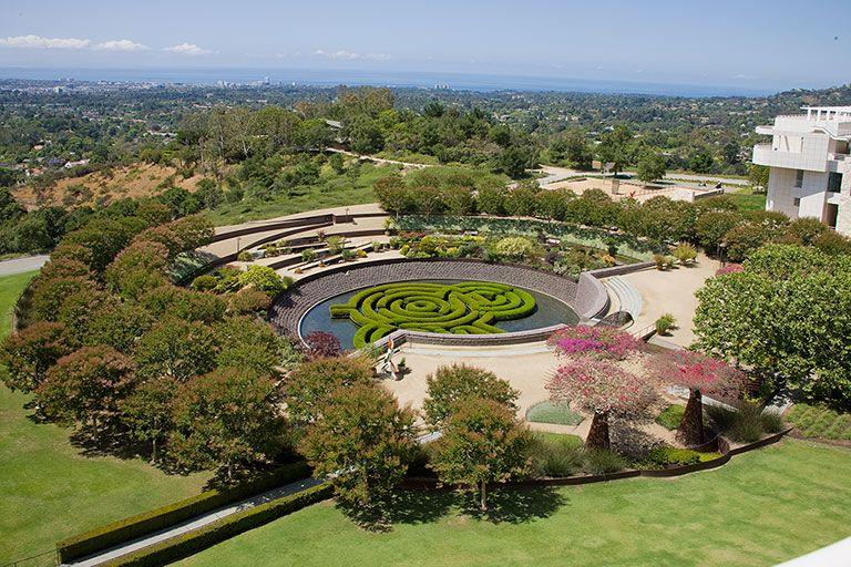 The Central Garden Created By Artist Robert Irwin Lies At The Heart Of The Getty Center Garden Visits Getty Center Landscape Design