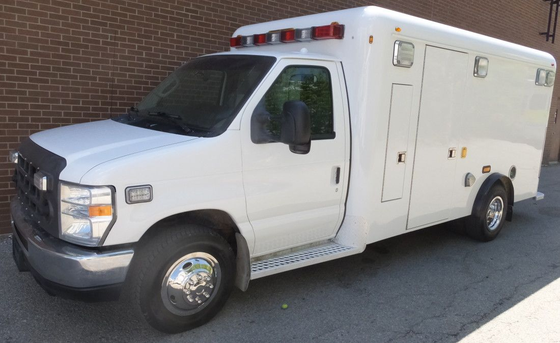 2009 Ford Econoline E 350 Diesel Ambulance New Paint Stock