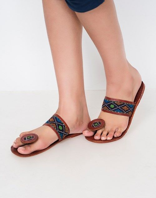 51a4861cf5c41f Buy Fabindia Brown Blue Leather Khadawa Embroidered Chappal online -  Fabindia.com-Fulpy