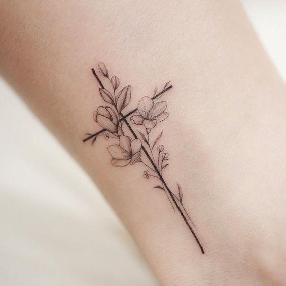 Tattoo Bibel für Mädchen: Was zu bekommen und Wo es Place