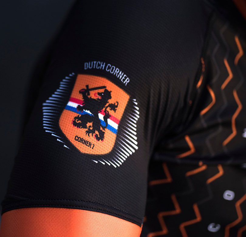 The Dutch corner by Letape.nl  #WomensCycling #BSCessentials #cyclingshots  #cyclingphotos #outsideisfree #fromwhereiride #cyclepdx #coffeedoping #CapsNotHats #ForeverButtPhotos #kitwatch #newkitday #cyclingphotos #RideHardHaveFun #sockdoping #ridemorethanyoudont #nevergiveup #worldchamp #newkitday #wtfkits #letapecycling #hizokucycles #redhookcrit #galen1973 #team_oaklysunday #cornomarrone #bikegirls #queenofthemountain #letapecycling #globalcyclingnetwork #gcn #roadcycling #mtbcycling by…