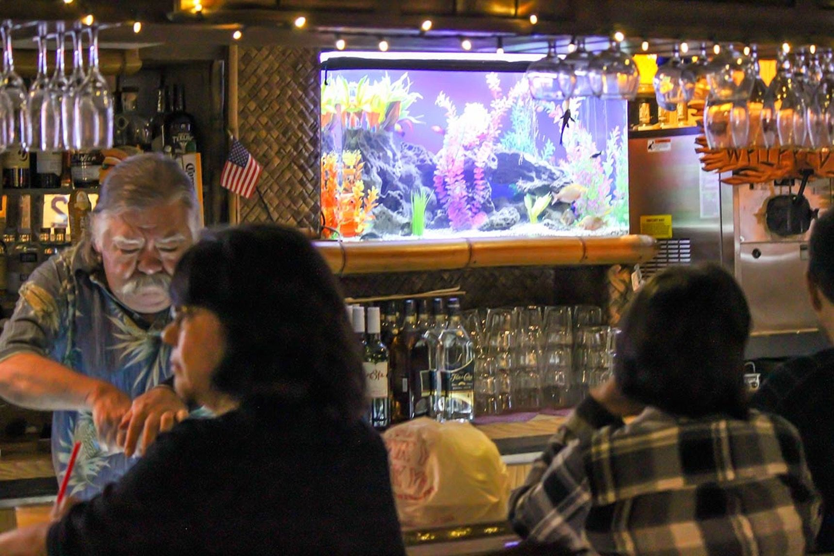 On the Grid :: Damons, Glendale, Los Angeles | Bar Interiors ...