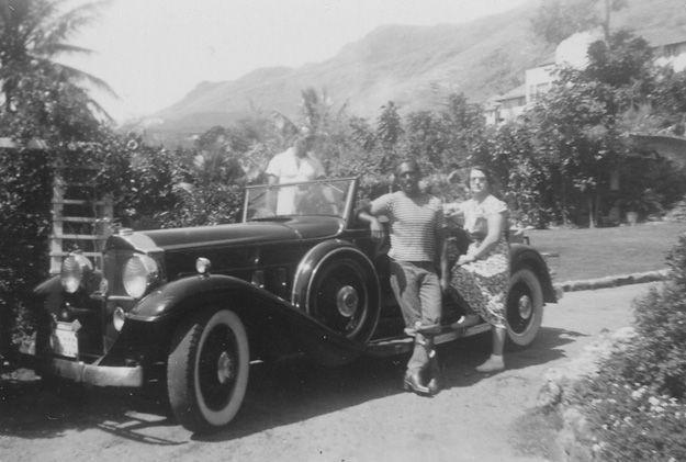 Doris Duke and husband James Cromwell in the Jali Pavilion at Shangri ...
