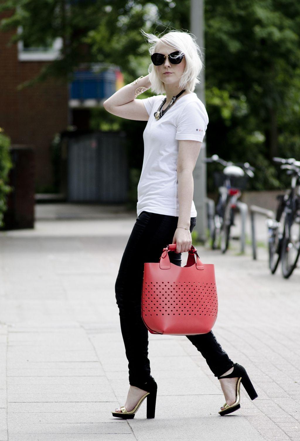 fanfieber anna frost fashionpuppe miu miu sunglasses zara high heels gold black red bag