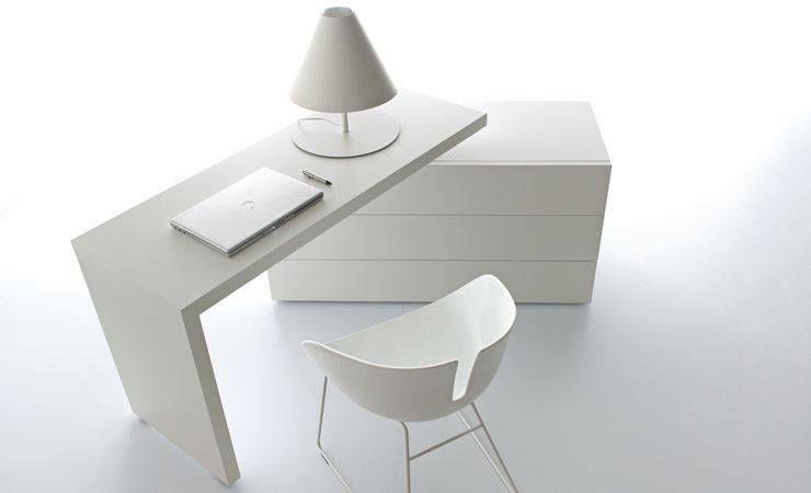 Scrivania con piano girevole mobili buzzi cucine in for Punti vendita di mobili di design