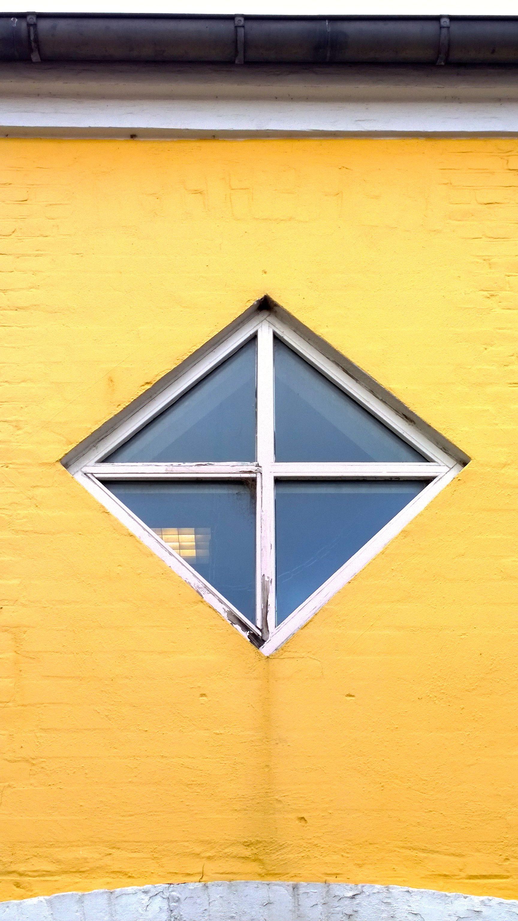 Kvadratisk vindue. Køge
