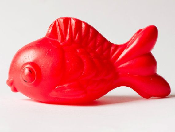 Fish Toy Game 70s : Vintage fish toy soviet red bath plastic tiddler