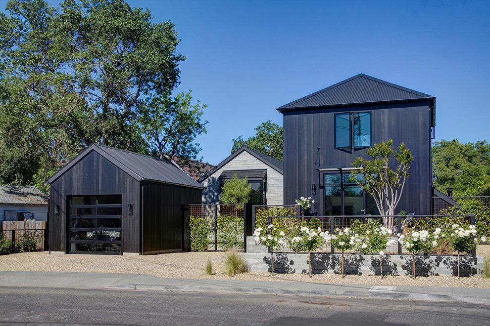Best Staining Cedar Siding Exterior Farmhouse With Black Stain 640 x 480