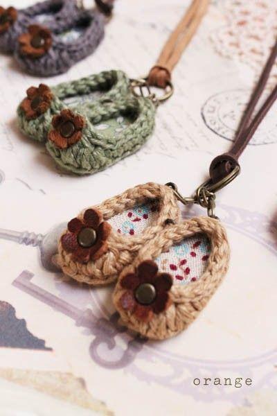 Crochê Mini Tênis -  /   Crochet Mini Shoes -