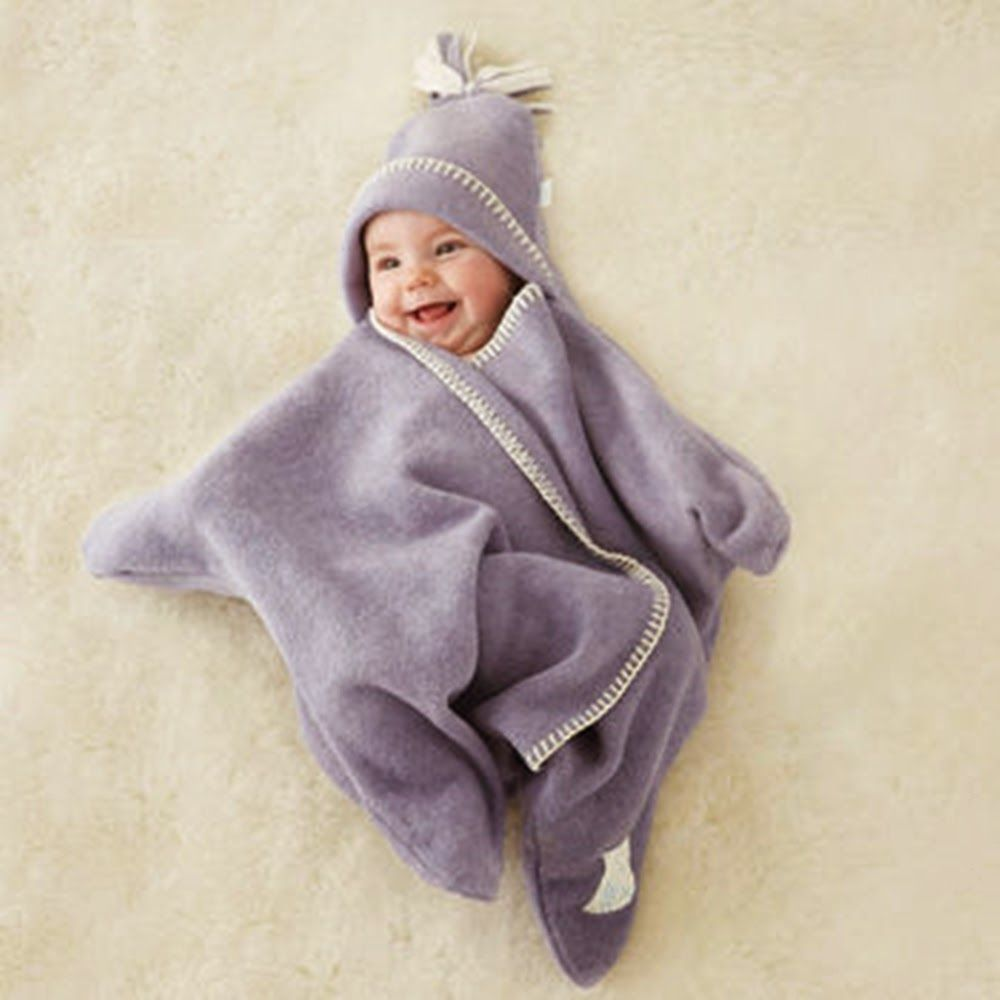 ba64c6abbe Az alábbi képeken látható, a pici babák számára kényelmes és meleg polár  'csillagtakarót' egy kis szabás-varrás ismerettel könnyen elkészít.