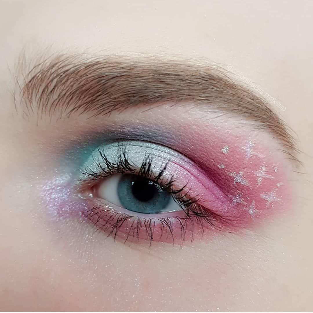 #crease #foundation #eyes #glitter #eyeliner #primers #cosmetic #powder #fashion #eyeshadow #TFLers #base #eyebrows #lipstick #gloss &