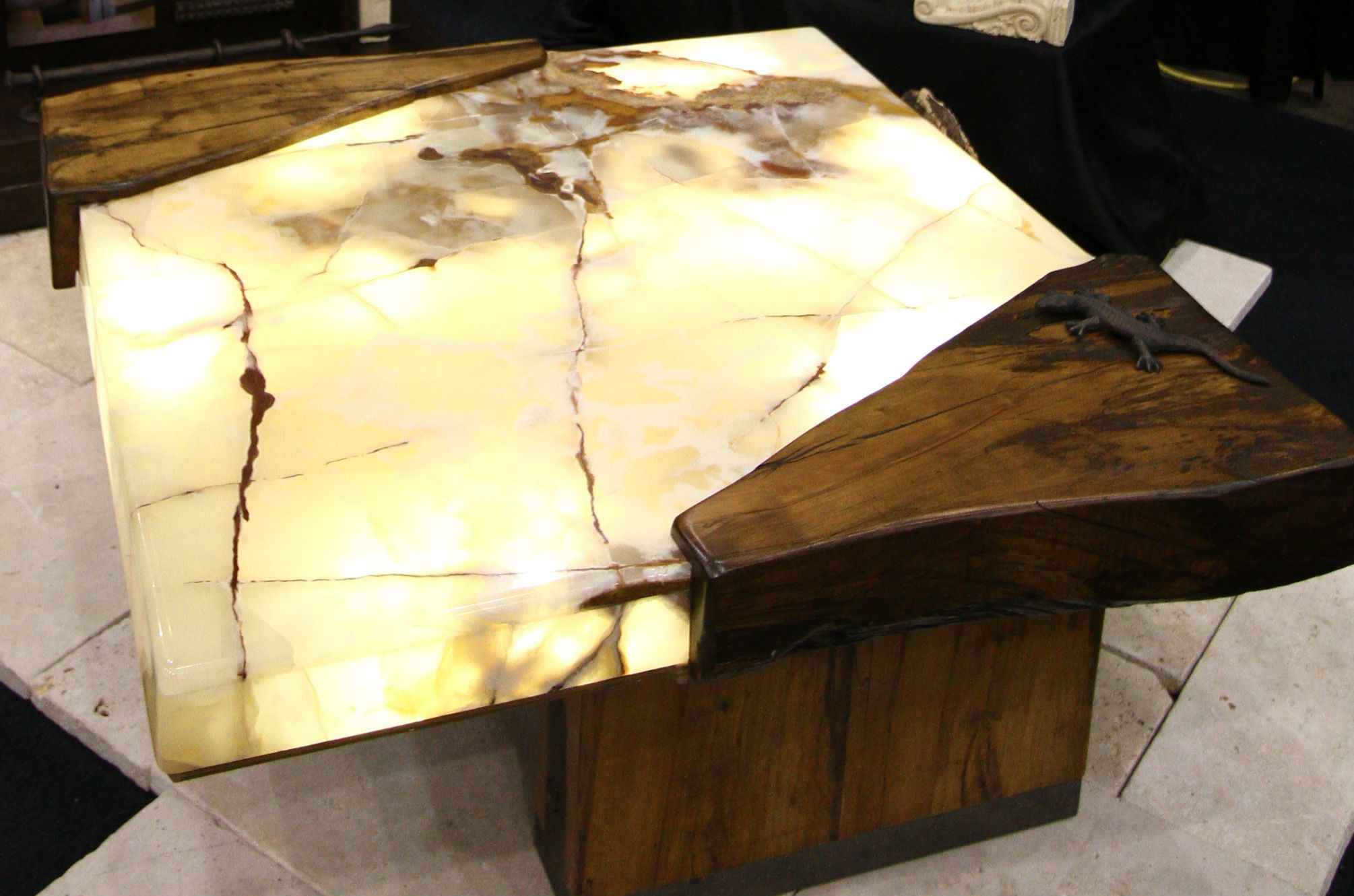 Architectural Justice Created This Unique Coffee Table Out Of Reclaimed Wood And Onyx The Table Is Lit F Onyx Table Wood Table Living Room Coffee Table White