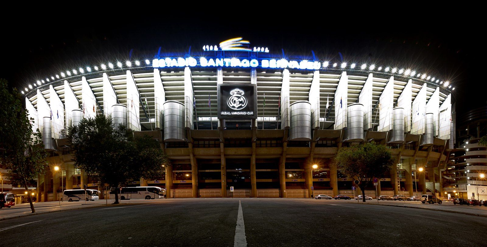 Santiago Bernabeu Hd Wallpaper Jpg 1600 814 Fondos De Pantalla Real Madrid Bernabeu Santiago Bernabeu
