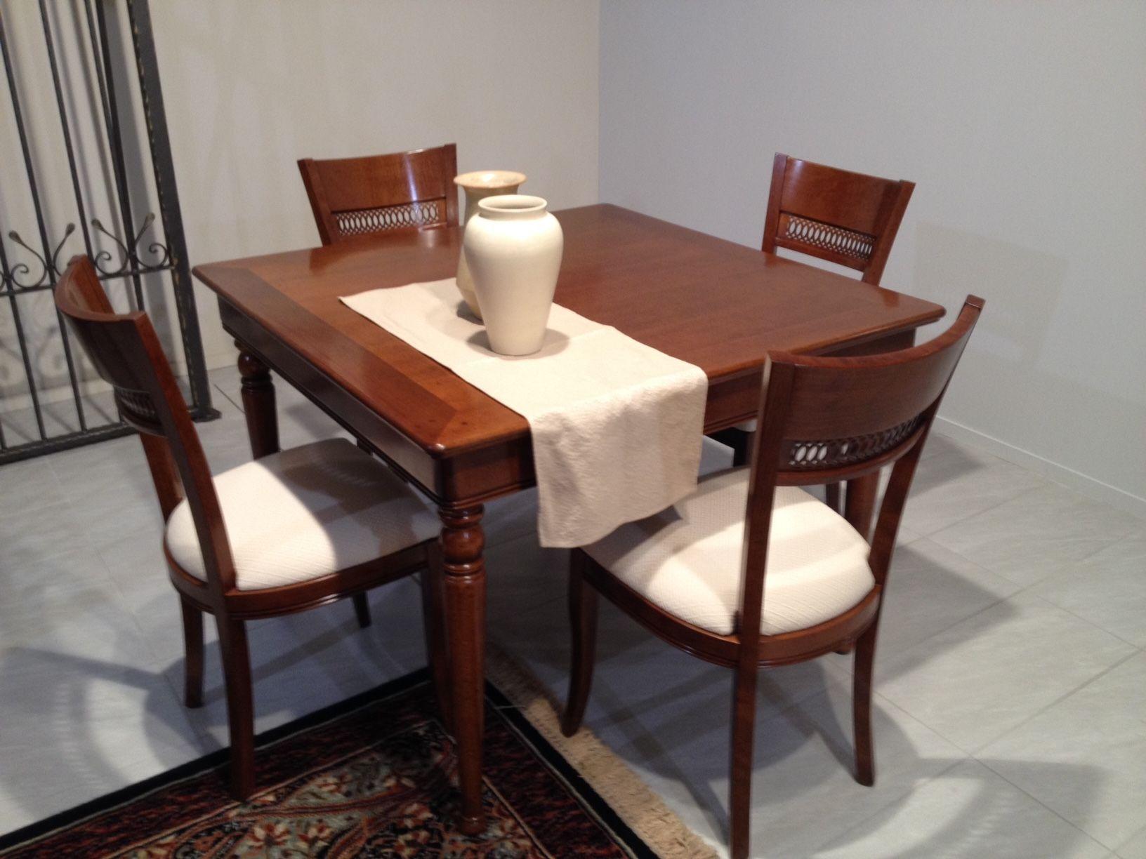 Tavolo e 4 sedie Le Fablier modello Le Gemme | < casa >