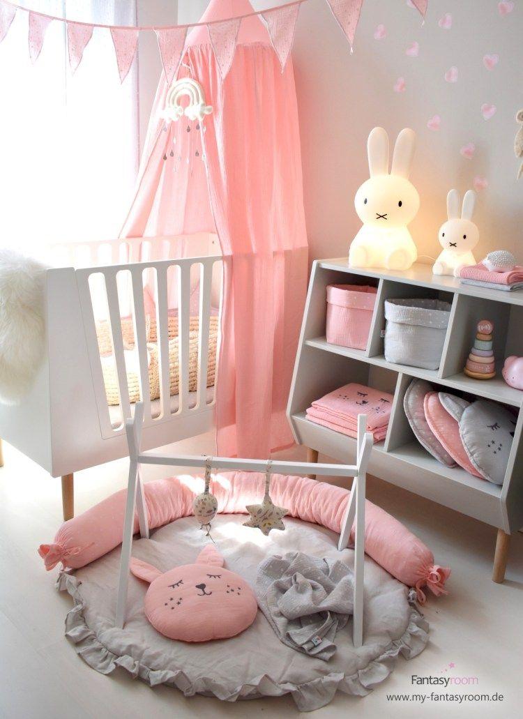 Babyzimmer für Mädchen in Rosa & Grau einrichten mit