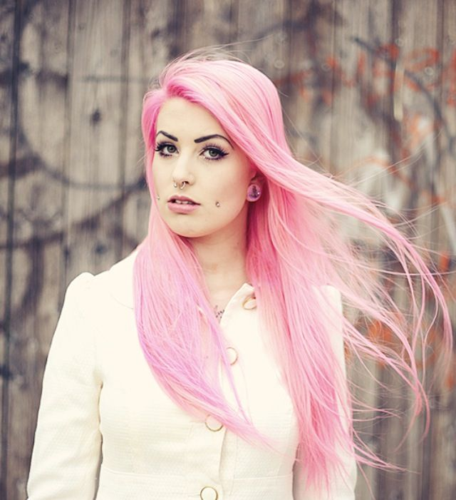 Charline Zimmermann, Blog / Youtube Channel : Feelings are Pink