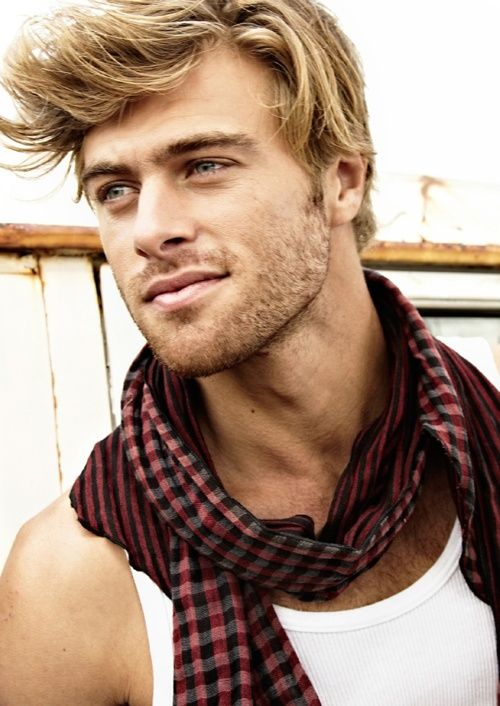 Nice Scruffy Beard Hair And Scarf With Images Blonde Guys