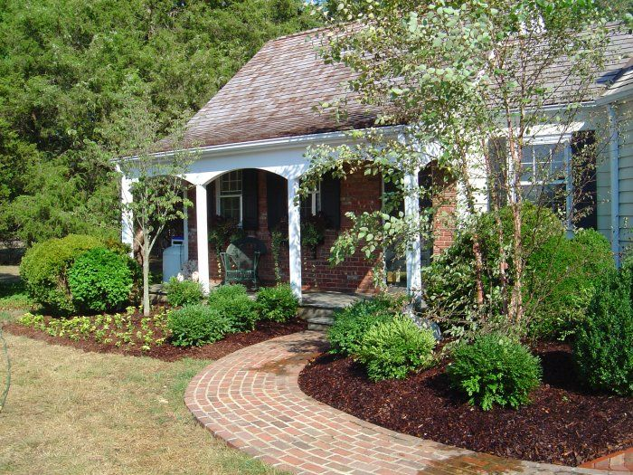 Foundation plantings trees bushes and ground cover oh for Foundation garden designs
