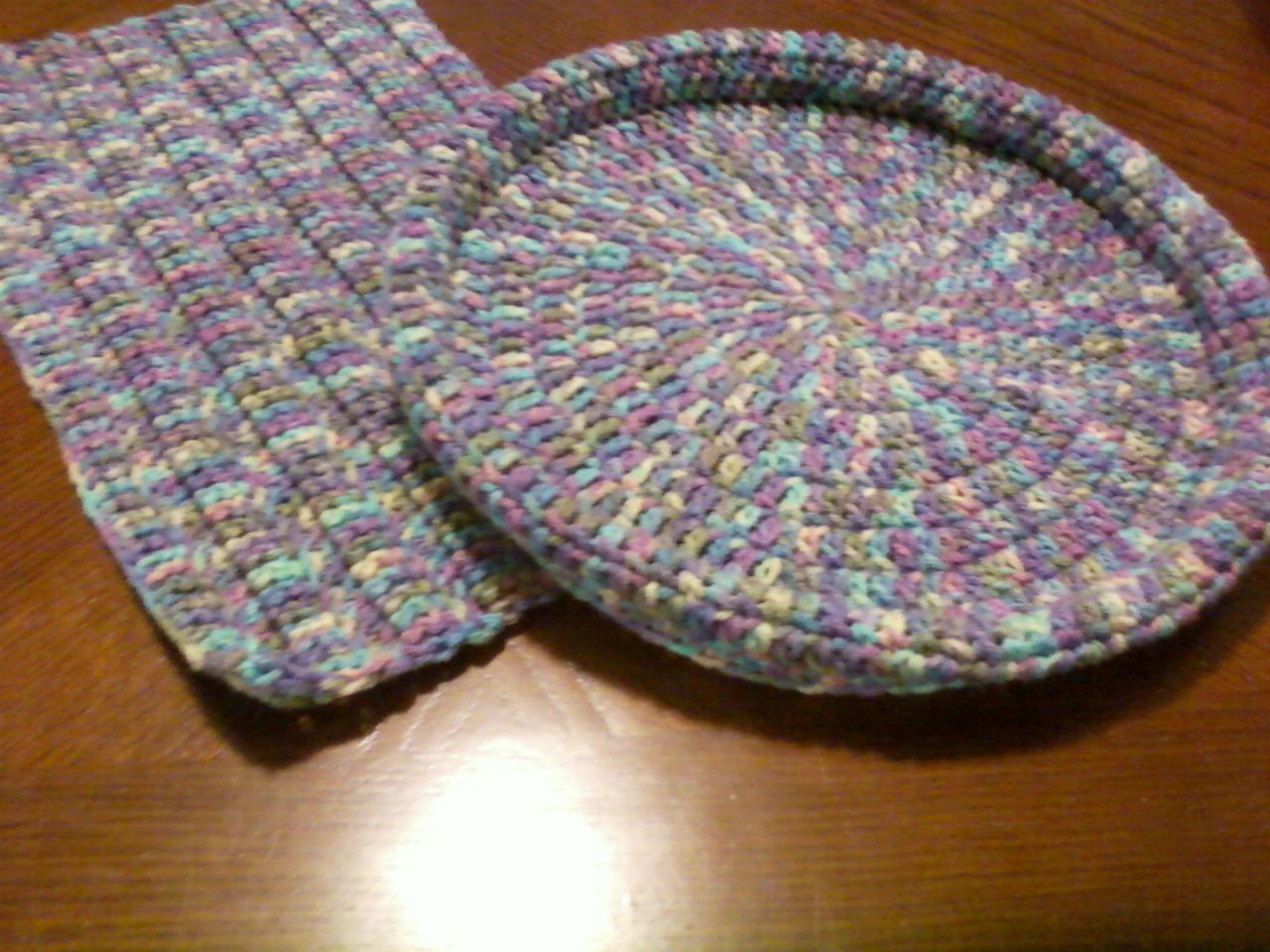 1Skein Pet Bed, free pattern. Great stashbuster; could