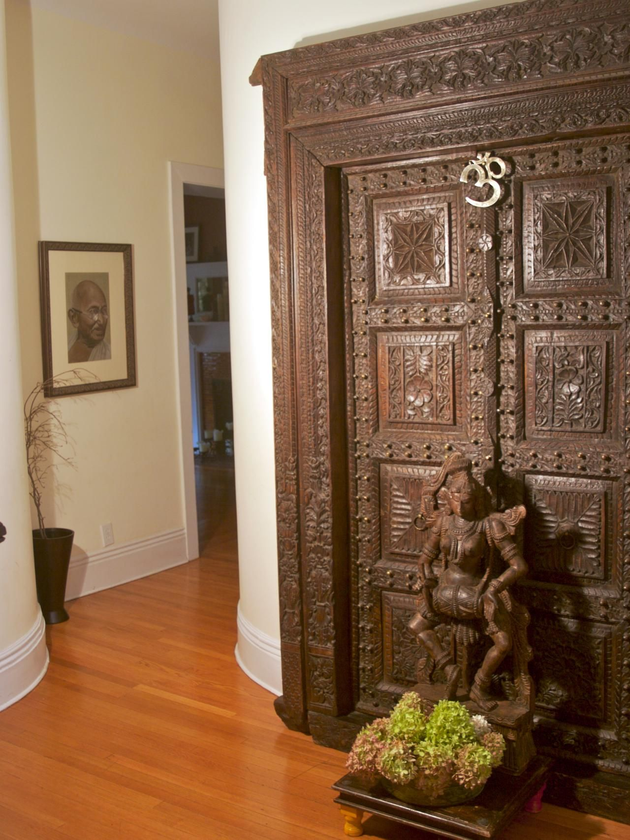 Indian Inspired Decorating 12 Spaces Inspired By India Statue Of Gandhi And Hindus