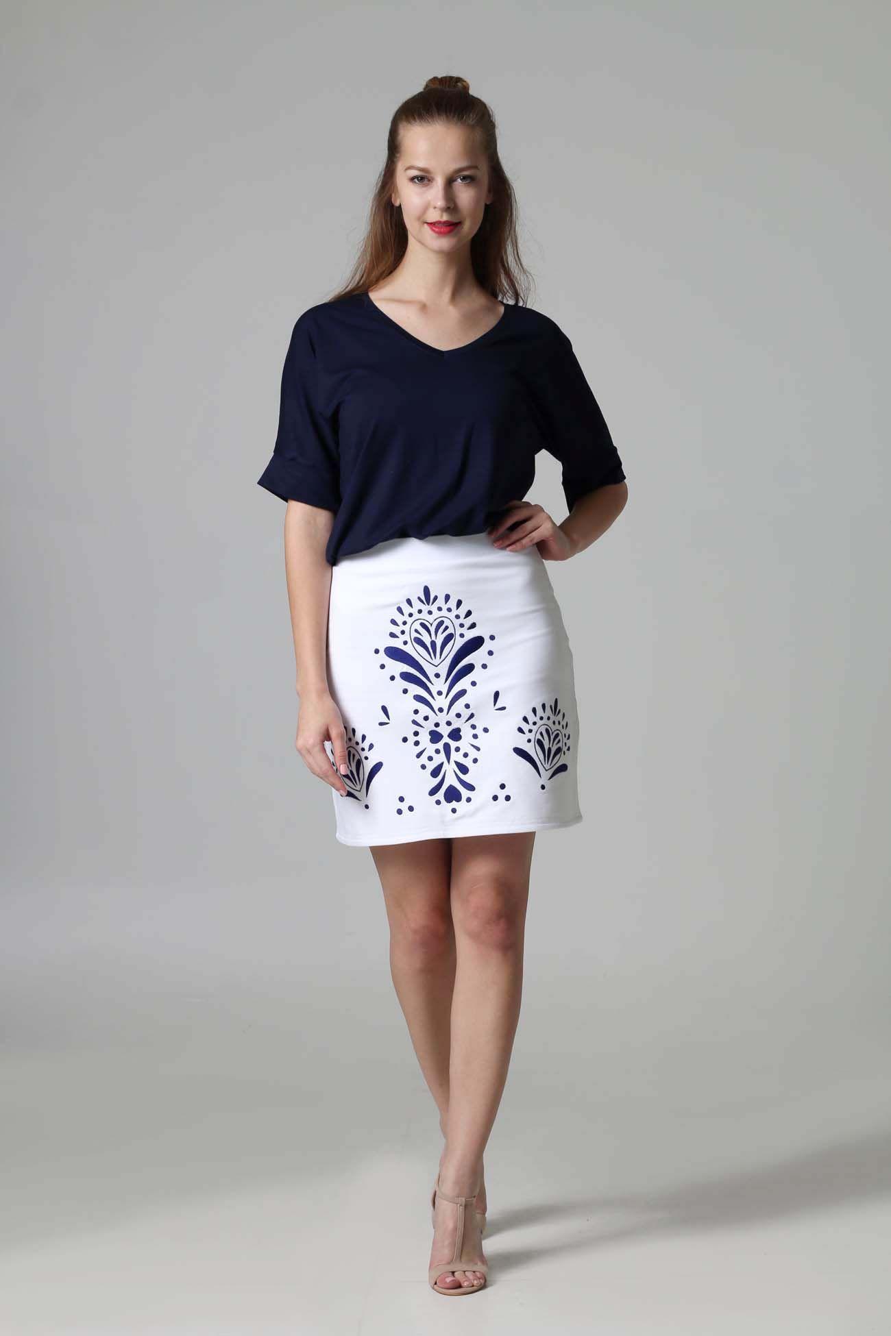 352eba155018 ZuzanaZachar   Mini sukňa vyšívaná biela