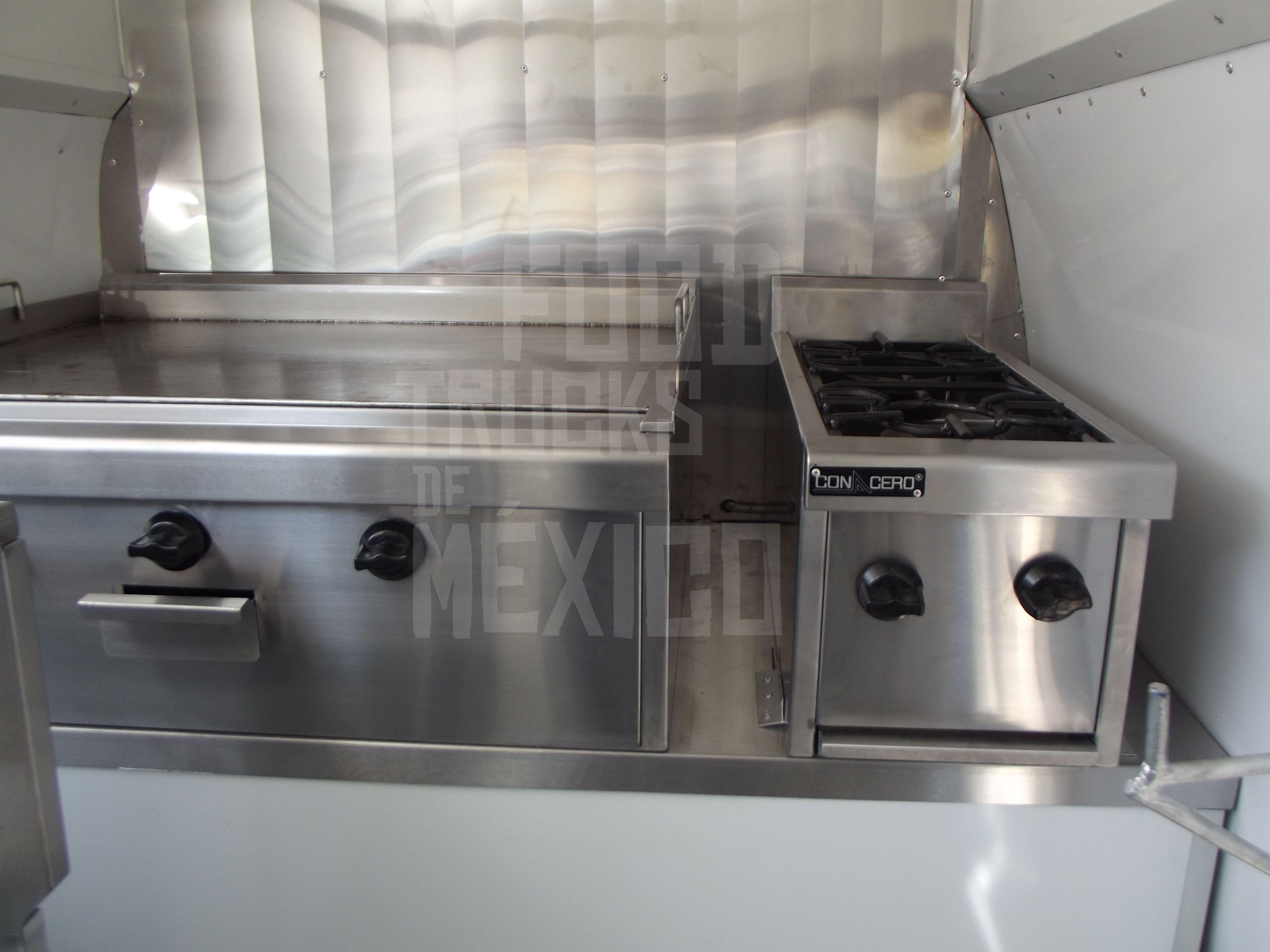 Fabricación de Combi 100% personalizado con conversión a cocina ...