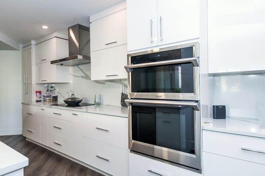 27 Stylish Modern Galley Kitchens (Design Ideas)