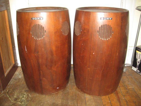 """Boston Craigslist 5/6: """"$200 -- walnut vintage Sony ..."""