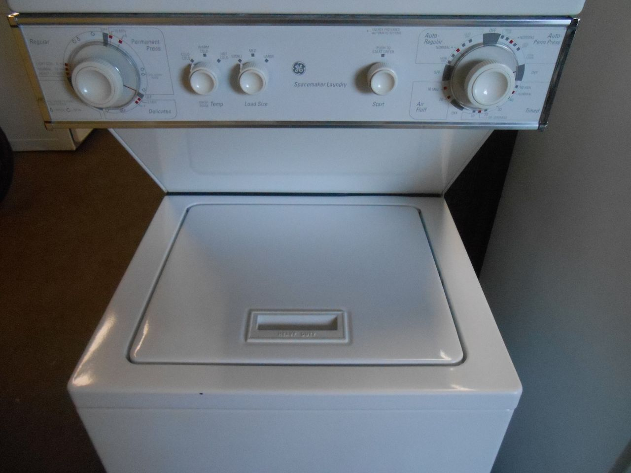 Ge 24 Inch Space Maker Laundry Center Built By Whirlpool Washer 4 Cycle 3 Temperature 3 Water Levels Dryer 4 Cycle Whirlpool Washer Laundry Center Whirlpool