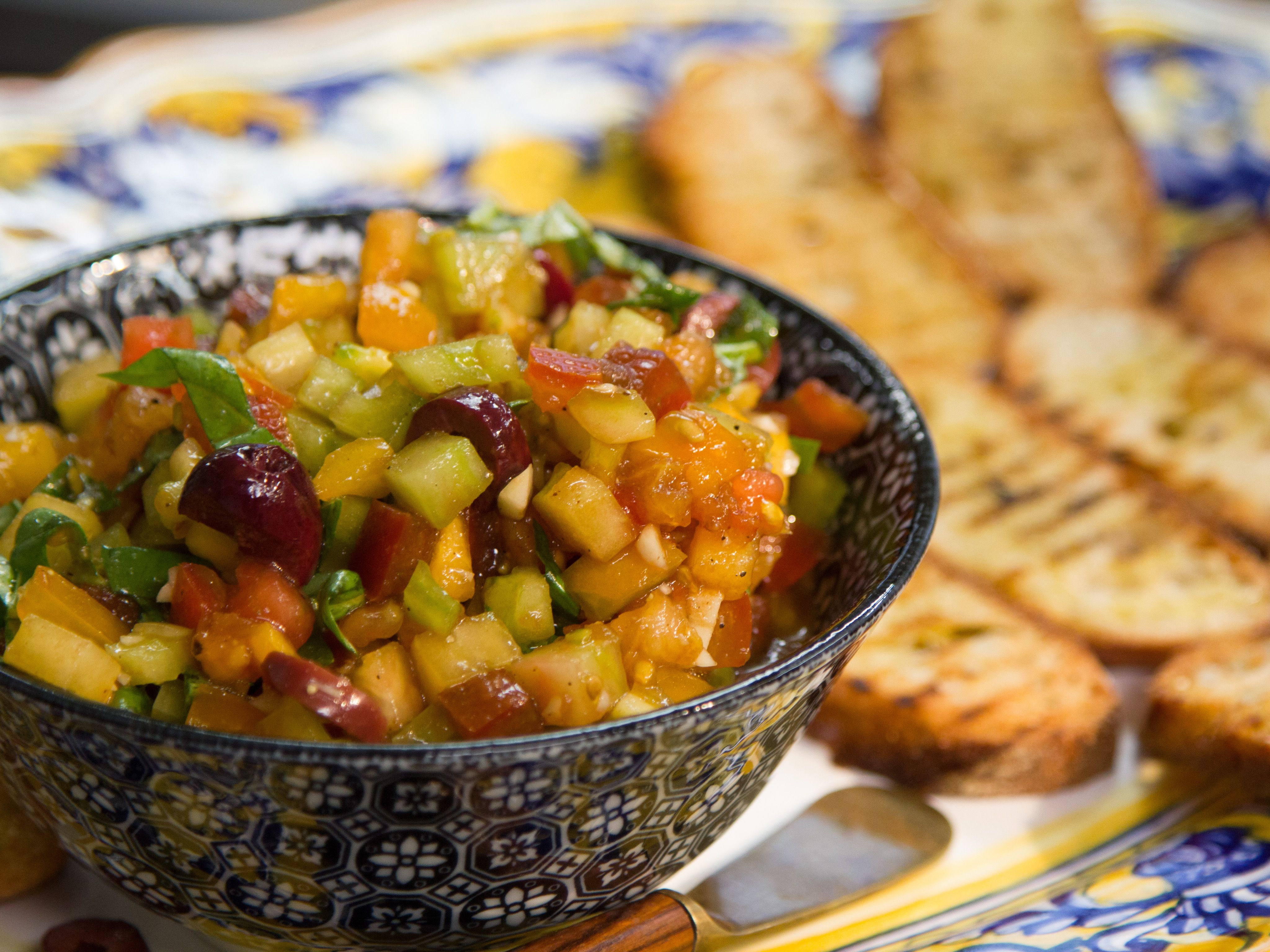 Tomato bruschetta valerie style recipe valerie bertinelli dips forumfinder Choice Image
