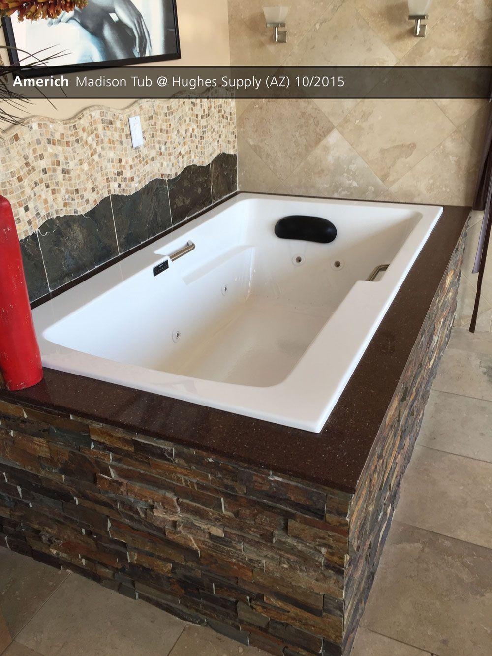 Scottsdale Plumbing Supplies Wholesaler Tub Showroom Display