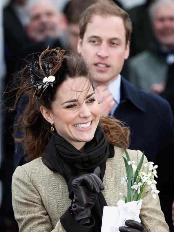 Aus Der Schuchternen Kate Middleton Wird Eine Strahlende Prinzessin Catherine Wunderweib William Und Kate Prinz William Und Kate Prinzessin Kate