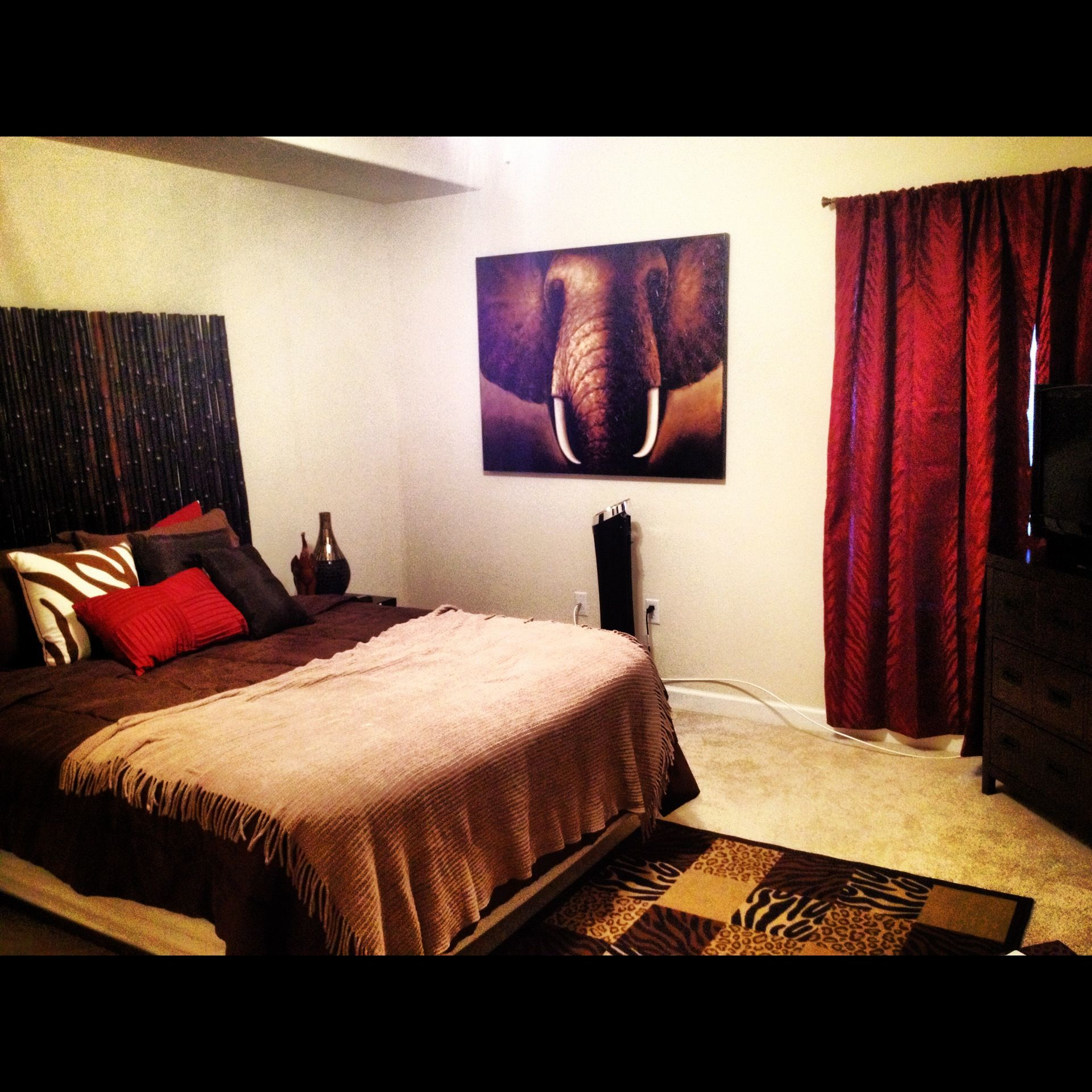Safari #safari #bedroom #theme #red #brown #gold #beige #bamboo
