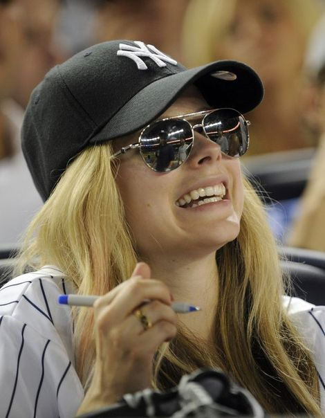 Avril Lavigne And New York Yankees Baseball Cap Yankees Baseball Cap New York Yankees Baseball Avril Lavigne