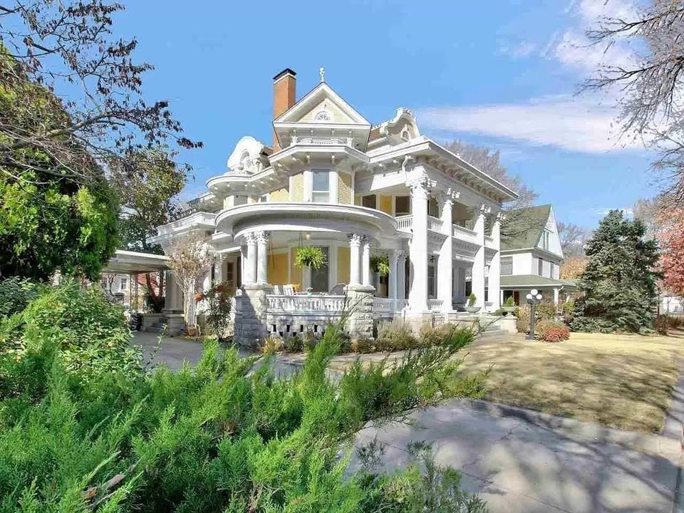 1909 Wey Mansion In Wichita Kansas Captivating Houses In 2020 Mansions For Sale Mansions Historic Homes For Sale