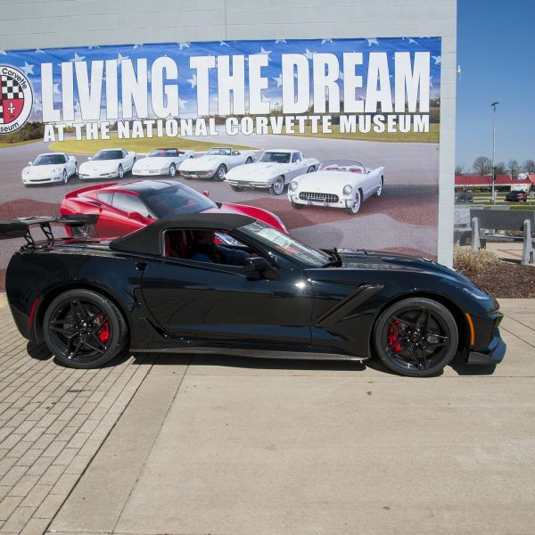 National Corvette Museum >> Rick Hendrick Visits Ncm And The First Retail 2019 Zr1