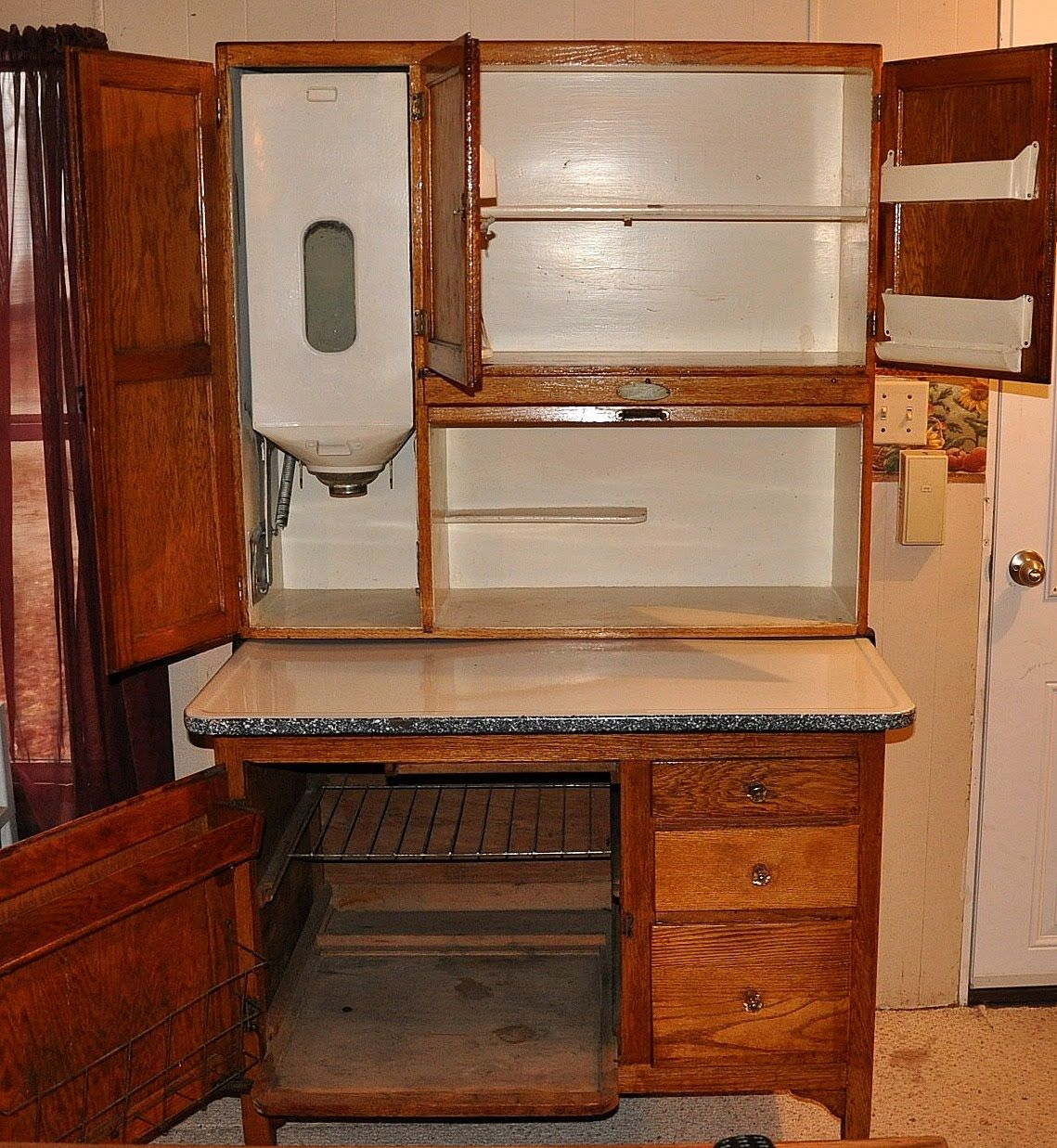 Antique Hoosier Cabinet for the Kitchen, This is like mine only I don't - Antique Hoosier Cabinet For The Kitchen, This Is Like Mine Only I