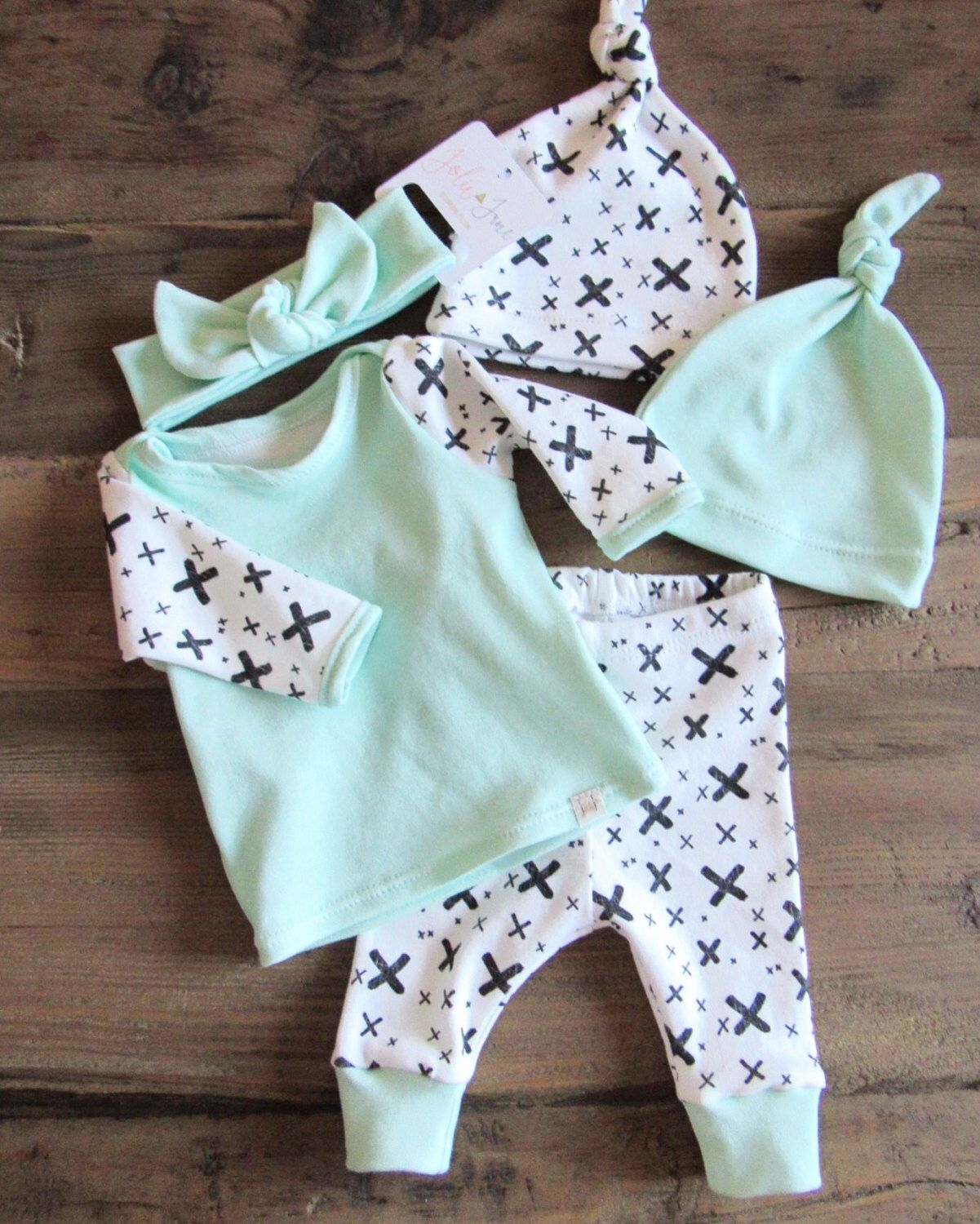 Newborn Coming Home Outfit // Welcome Home Outfit // Newborn Outfit ...