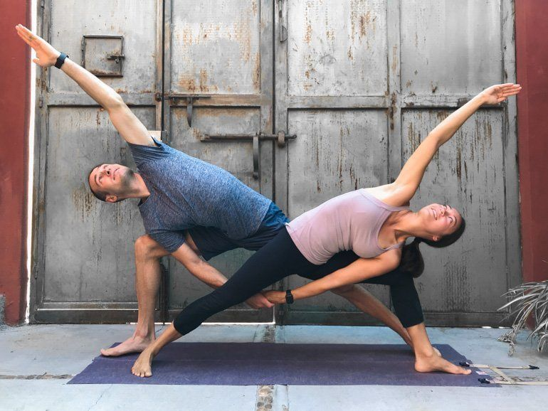 Couple S Yoga Poses 23 Easy Medium And Hard Duo Yoga Poses Couples Yoga Poses Partner Yoga Poses Yoga Poses For Two