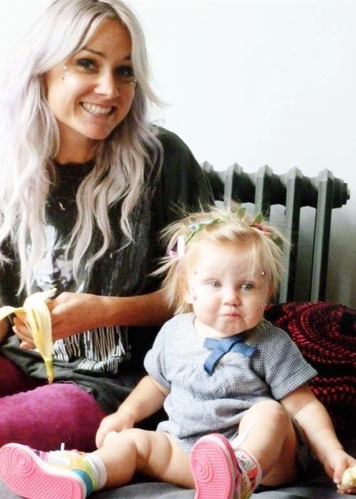Pictures like this make me sad cause she is no baby anymore... She's like... Toddler Lux now.. :(