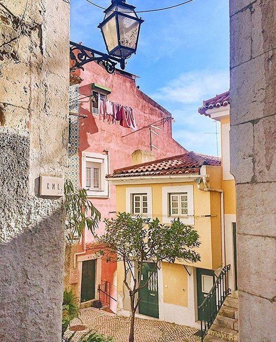 Pin de Jaana Carlenius em Houses em 2020 Porto portugal