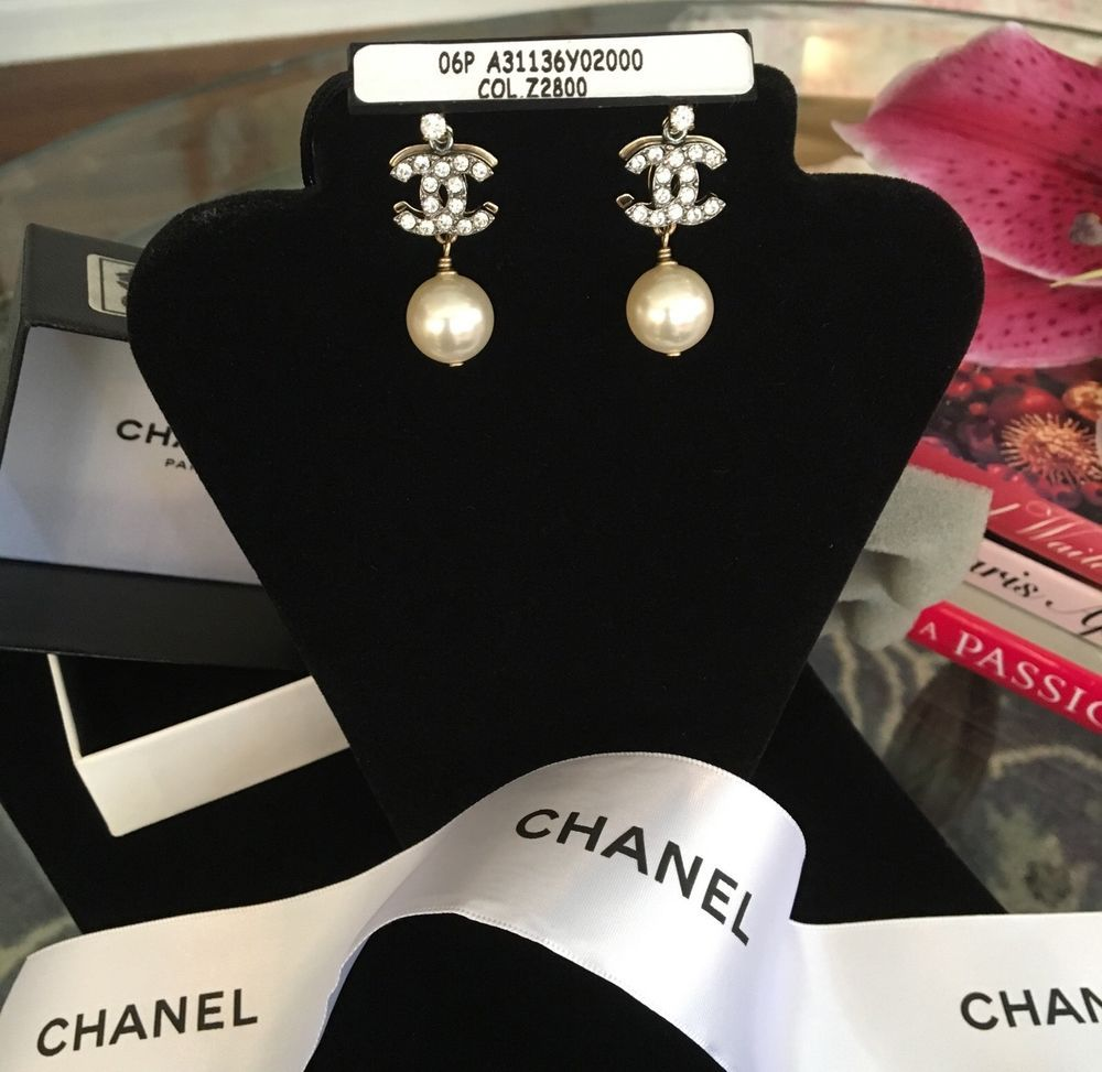Authentic Rare Chanel Pearl Drop Earrings Dore Cristal In Box Neiman Marcus